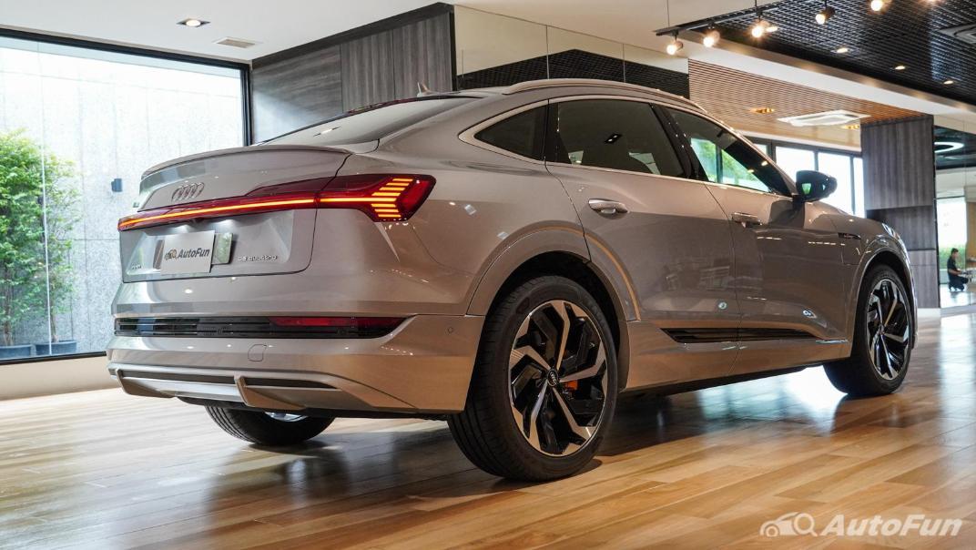 2020 Audi E Tron Sportback 55 quattro S line Exterior 014