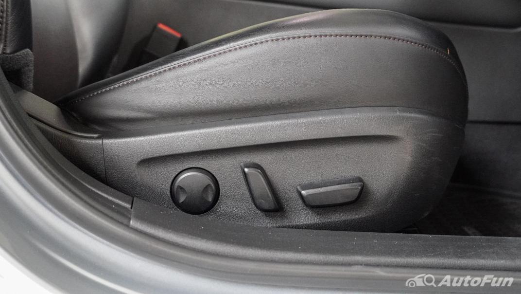 2020 Mazda 3 Fastback 2.0 SP Sports Interior 038