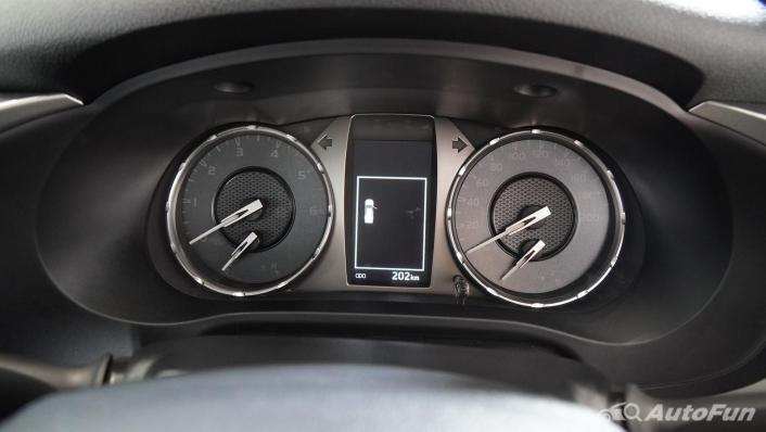 2021 Toyota Hilux Revo Double Cab Z Edition Interior 009