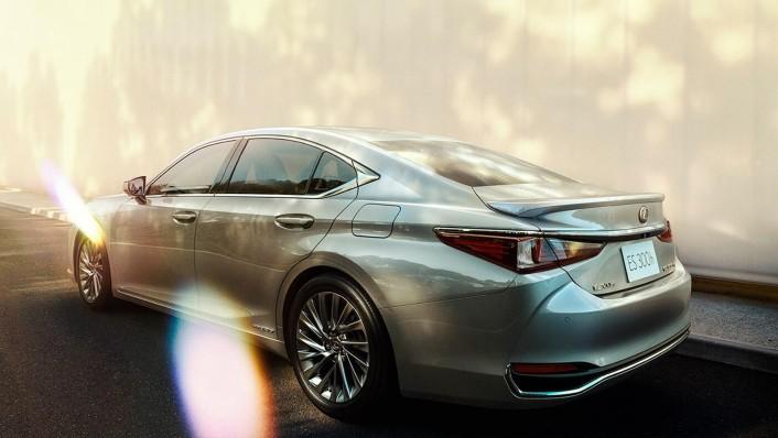 Lexus ES 2020 Exterior 004