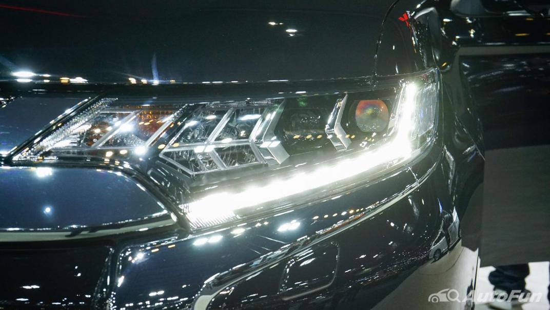 2021 Mitsubishi Outlander PHEV GT Exterior 017