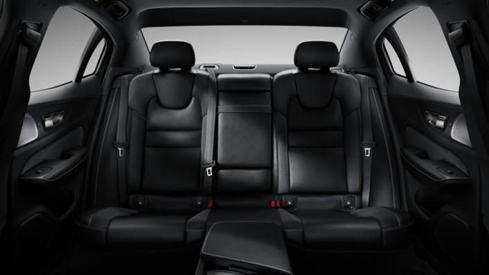 Volvo S60 2020 Interior 009