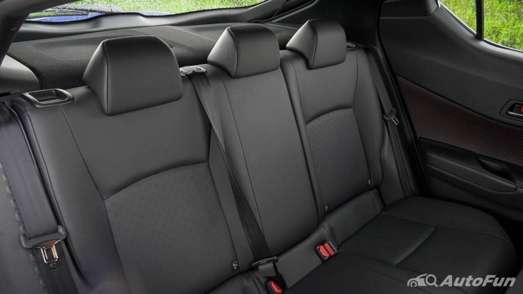 2021 Toyota C-HR Hybrid Premium Safety Interior 059