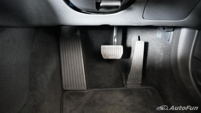 2021 Volvo S90 Recharge Interior 010