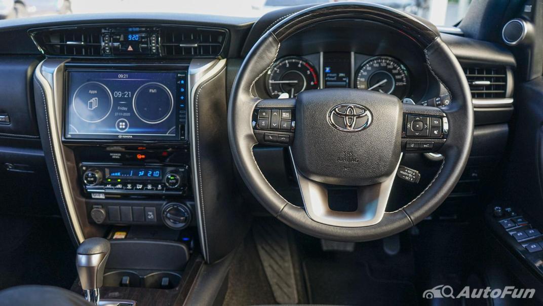 2020 Toyota Fortuner 2.8 Legender 4WD Interior 003