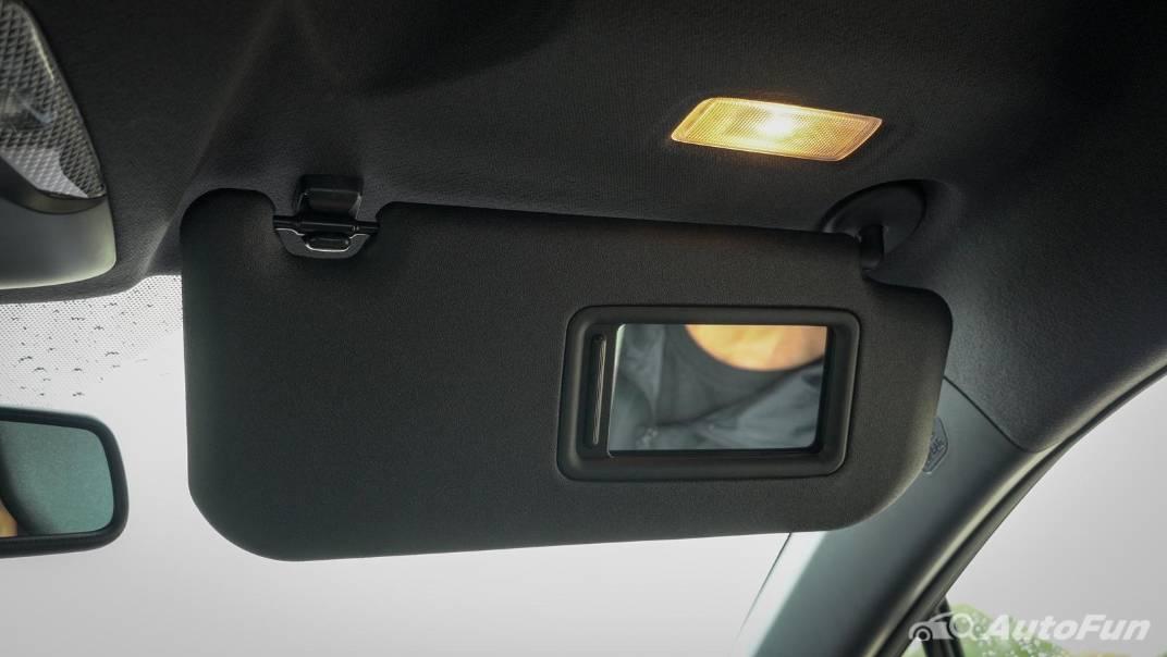 2021 Toyota C-HR Hybrid Premium Safety Interior 073