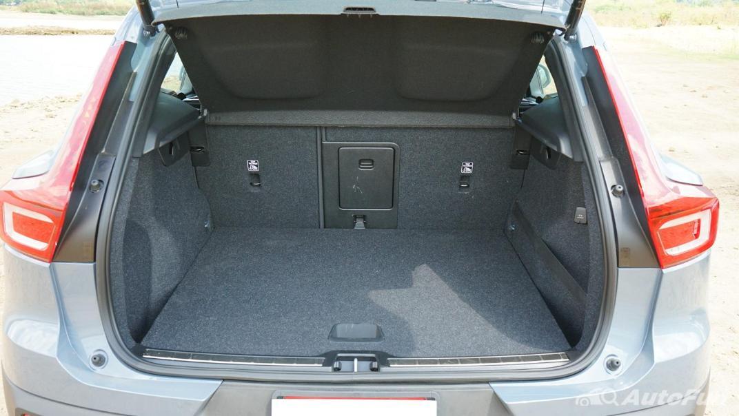 2020 Volvo XC 40 2.0 R-Design Interior 045