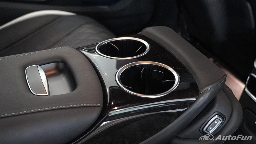 Mercedes-Benz S-Class S 560 e AMG Premium Interior 063