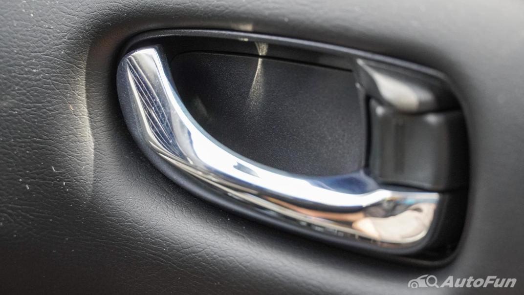 2020 Nissan Leaf Electric Interior 061