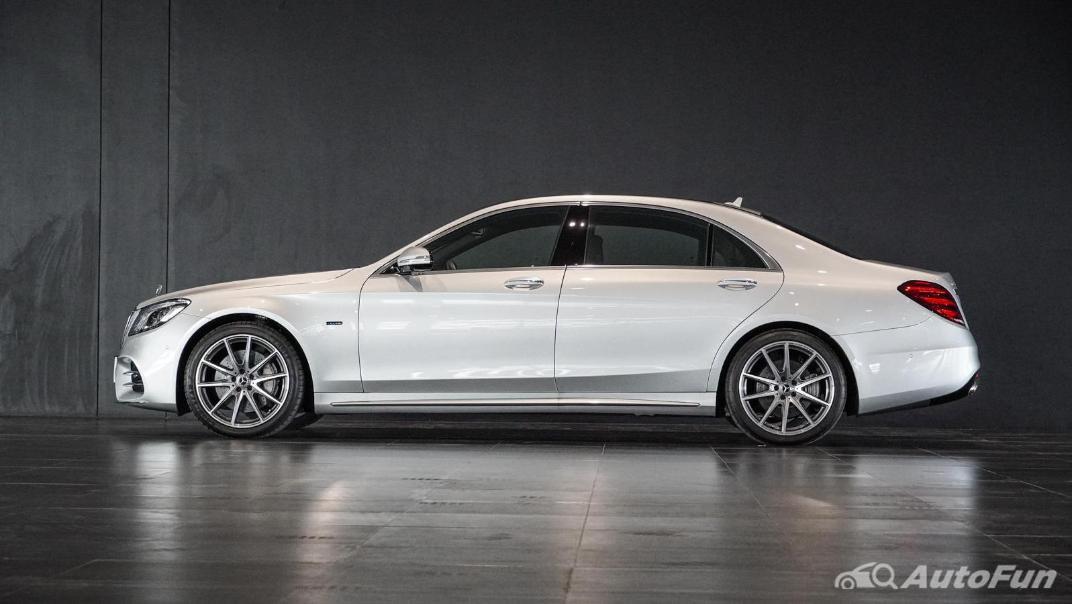 Mercedes-Benz S-Class S 560 e AMG Premium Exterior 008