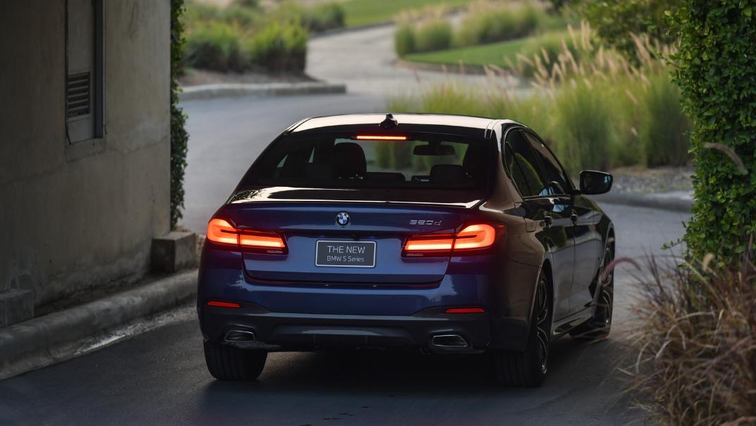 2021 BMW 5 Series Sedan 520d M Sport Exterior 029