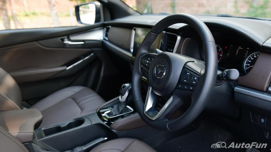 2021 Mazda BT-50 Pro Double Cab 3.0 SP 6AT 4x4 Interior 001