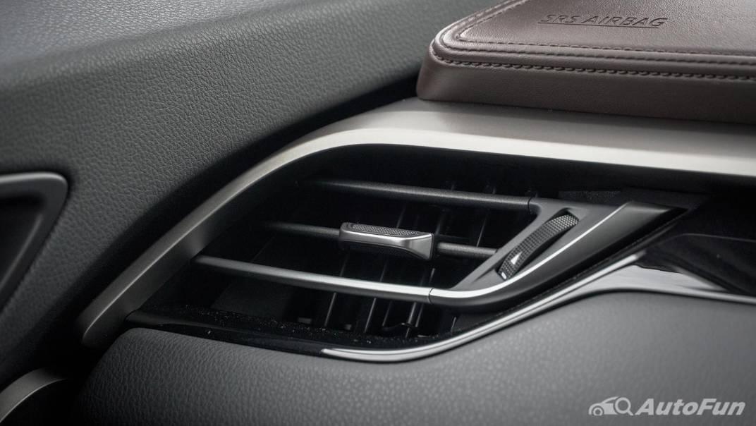 2021 Toyota C-HR Hybrid Premium Safety Interior 026