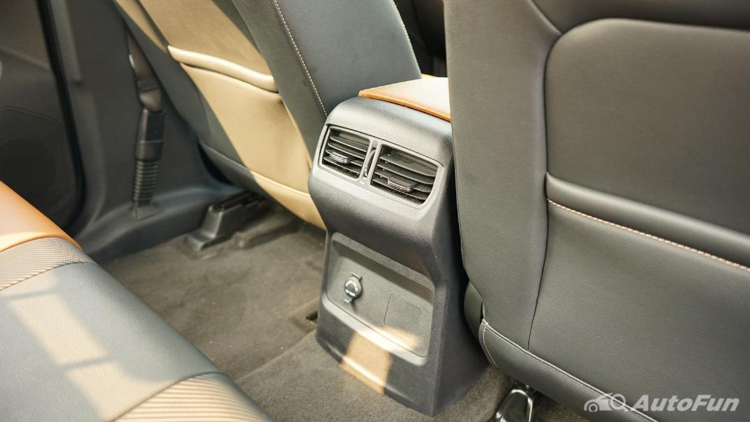 2021 MG Extender Interior 014