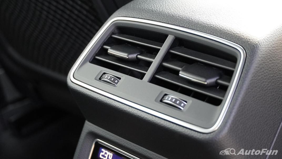 2020 Audi E Tron Sportback 55 quattro S line Interior 055