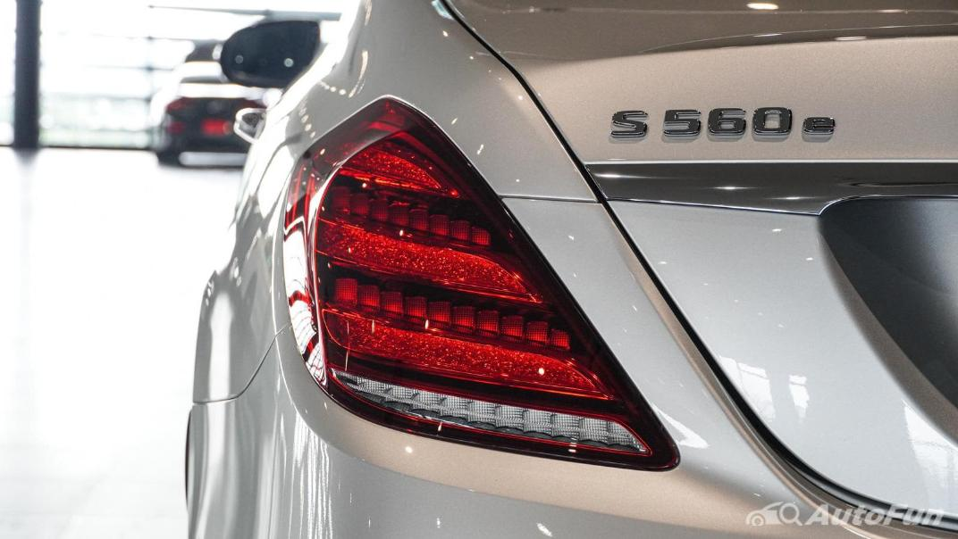 Mercedes-Benz S-Class S 560 e AMG Premium Exterior 017