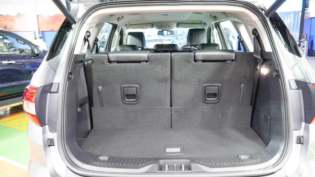 2021 Ford Everest Titanium+ Interior 032