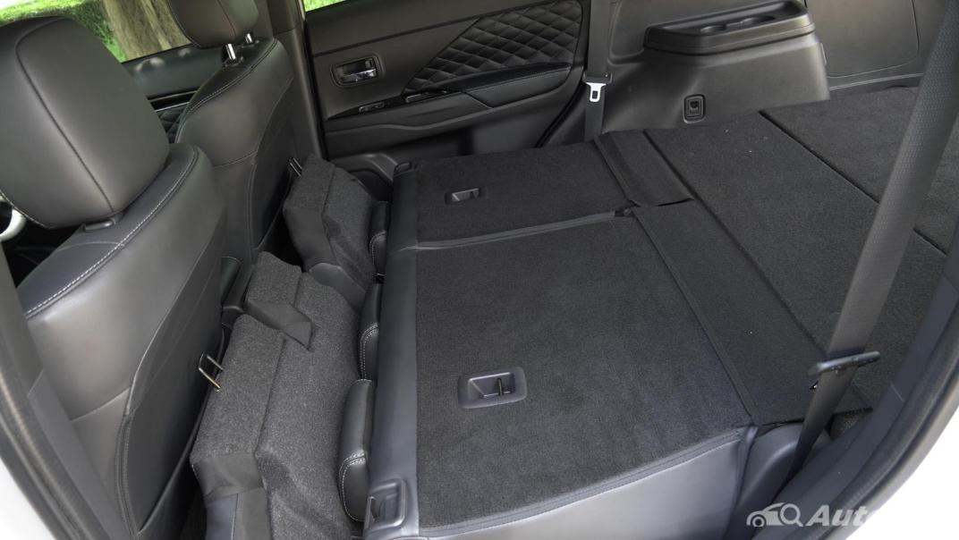 2021 Mitsubishi Outlander PHEV GT-Premium Interior 064