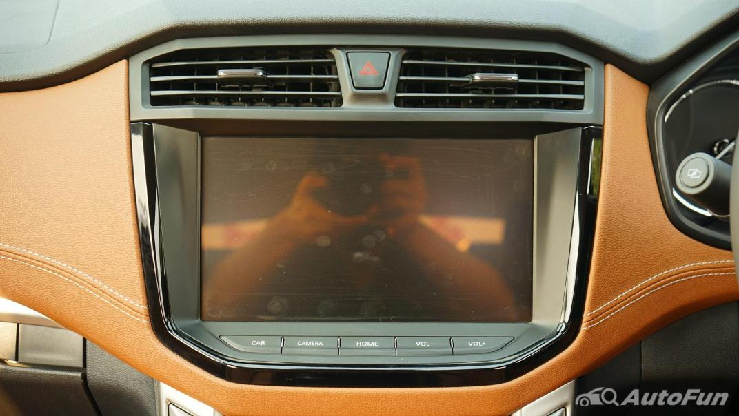 2021 MG Extender Interior 008