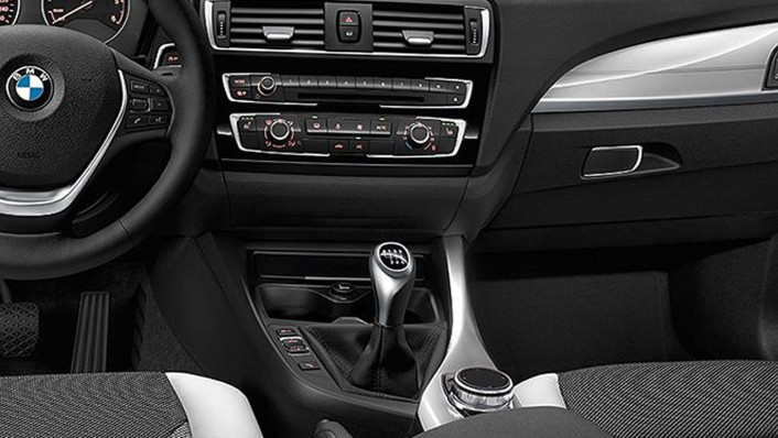 BMW 1-Series-5-Door 2020 Interior 002