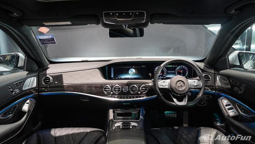 Mercedes-Benz S-Class S 560 e AMG Premium Interior 001