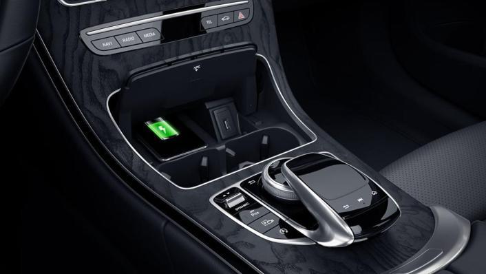 Mercedes-Benz C-Class Estate Public 2020 Interior 001
