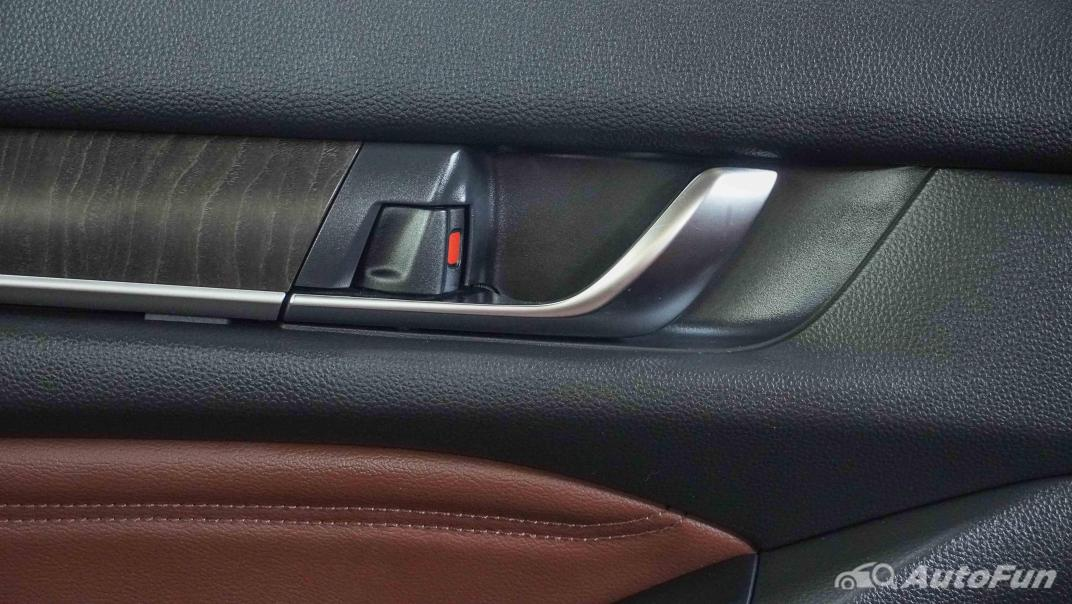 2020 Honda Accord Hybrid Tech Interior 064