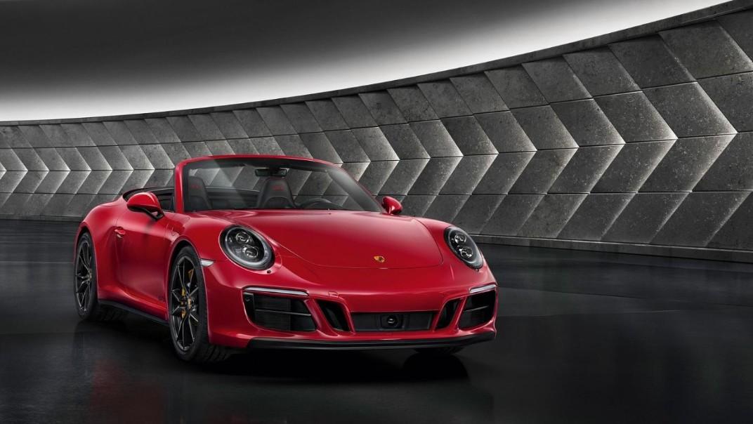 Porsche 911 Public 2020 Exterior 005