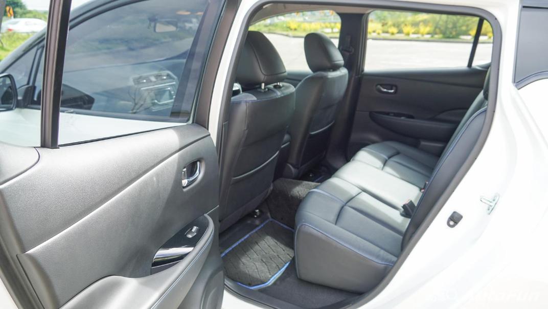 2020 Nissan Leaf Electric Interior 056