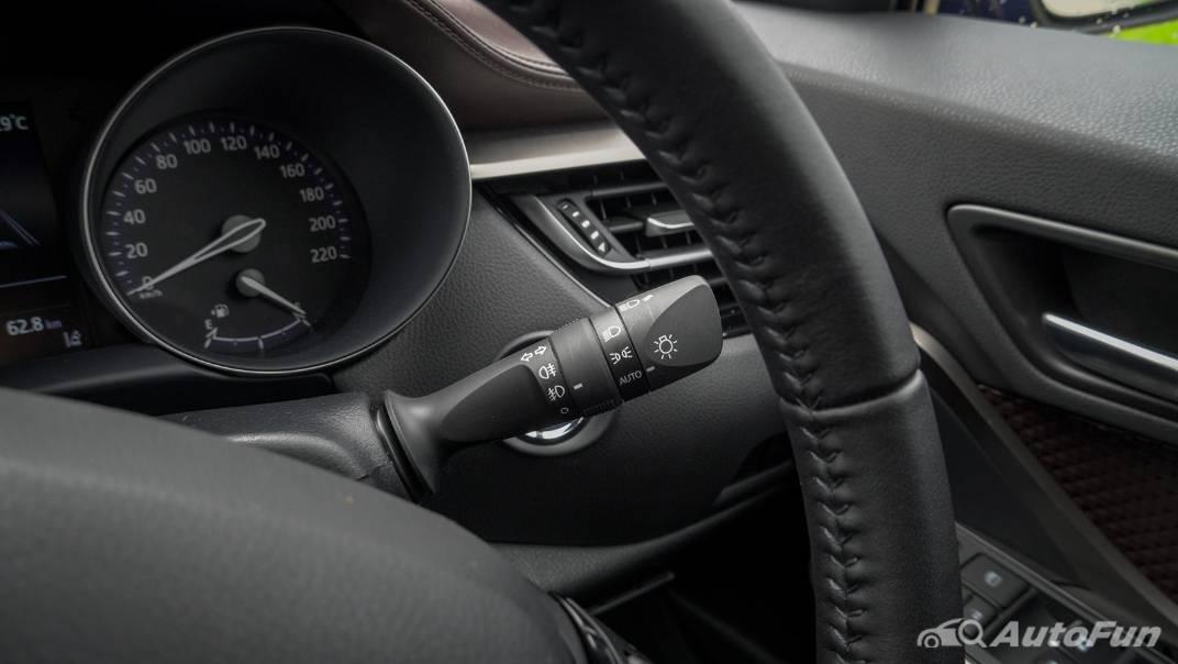 2021 Toyota C-HR Hybrid Premium Safety Interior 008