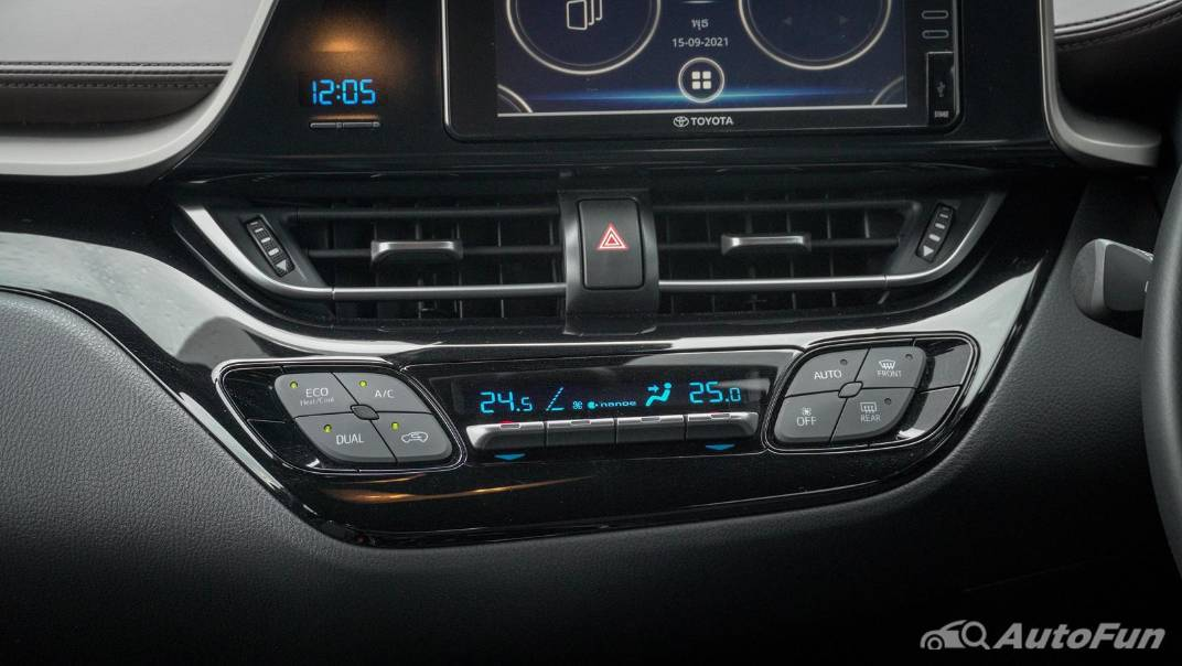 2021 Toyota C-HR Hybrid Premium Safety Interior 035