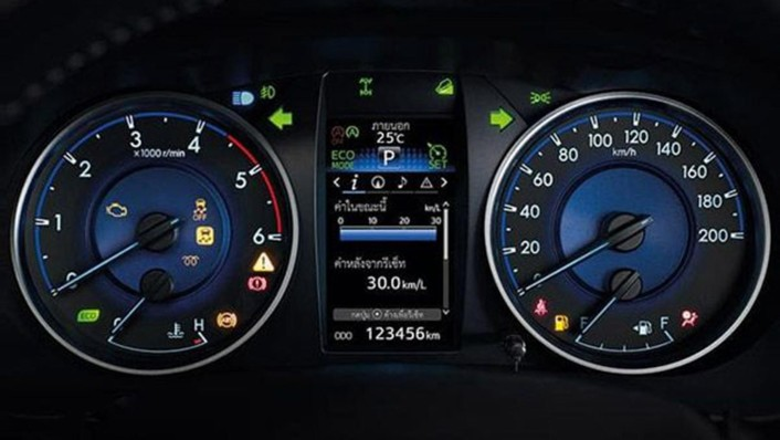 Toyota Hilux Revo Smart Cab 2020 Interior 005