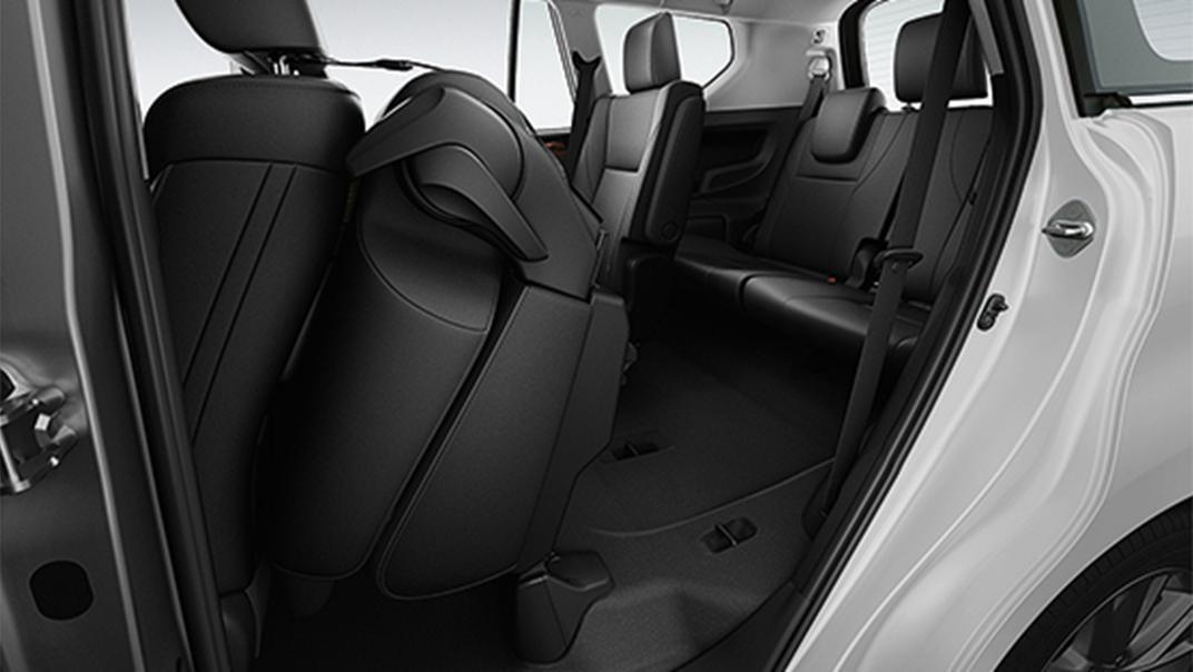 2021 Toyota Innova Crysta Interior 013