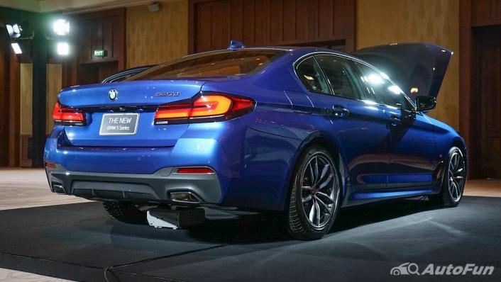 2021 BMW 5 Series Sedan 520d M Sport Exterior 004