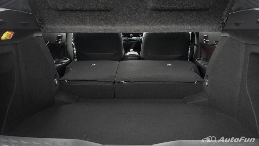 2021 Toyota C-HR Hybrid Premium Safety Interior 084