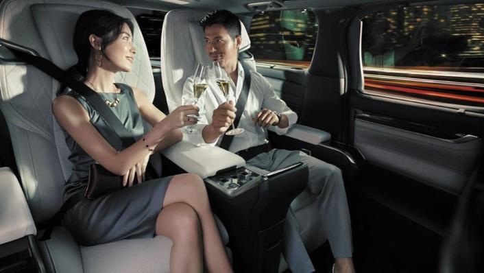 Lexus LM 2020 Interior 007