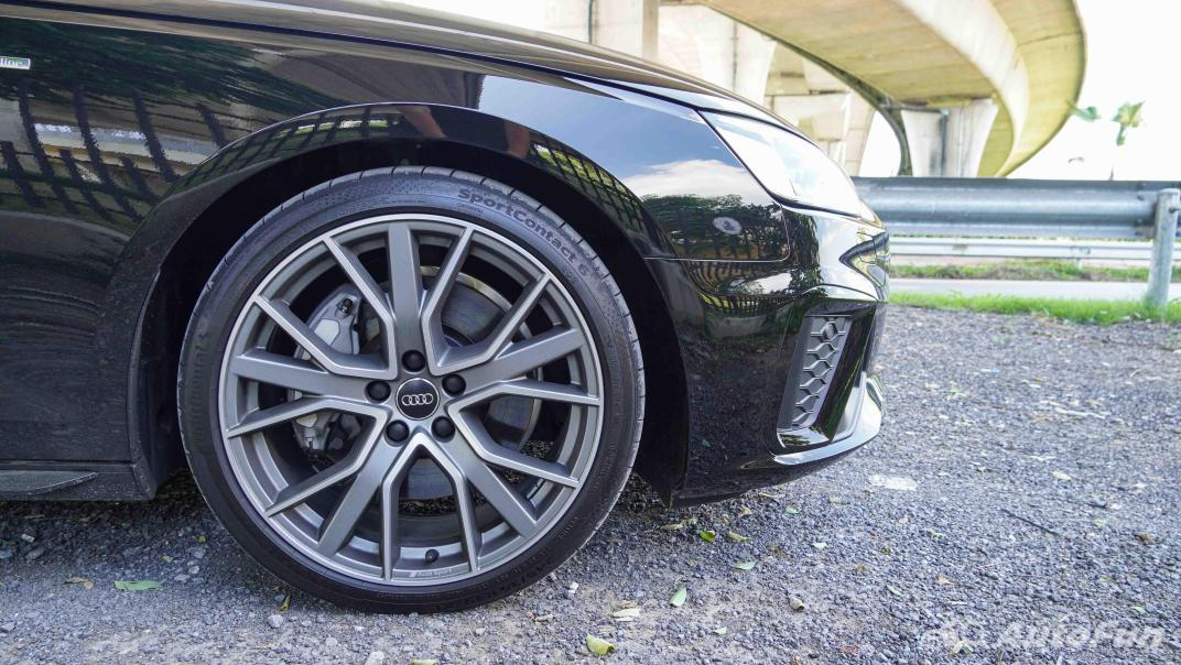 2020 Audi A4 Avant 2.0 45 TFSI Quattro S Line Black Edition Exterior 013