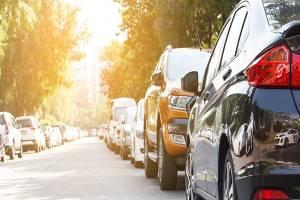 รถยนต์สีขาว สะท้อนแสงแดดได้มากกว่าสีดำ? จริงแค่ไหน? พร้อมวิธีป้องกันความร้อนแบบง่าย ๆ