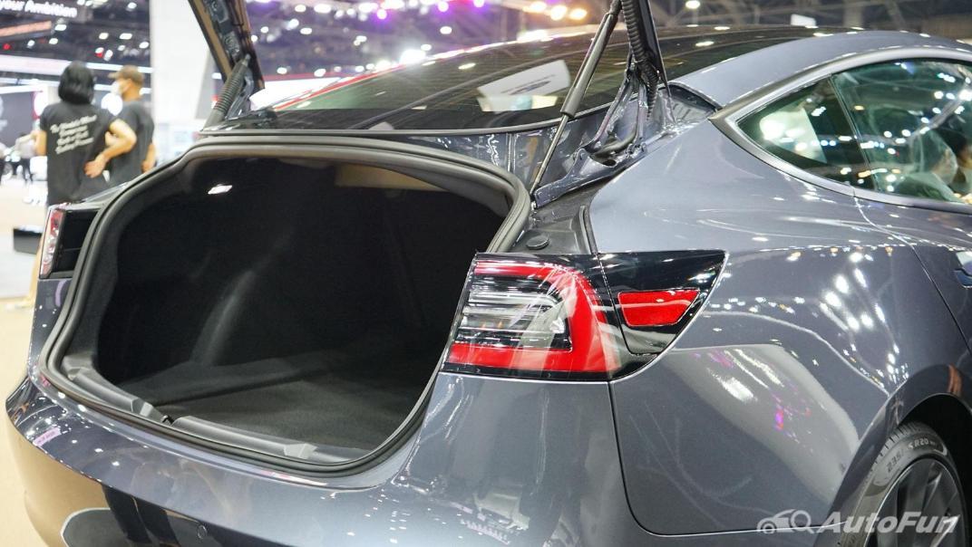 2021 Tesla Model 3 Performance Interior 016