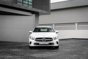 2021 Mercedes-Benz A-Class เปิดตัวรุ่นประกอบในไทยราคาลดลงกว่าล้านจะชนะ BMW 2 Series ได้หรือไม่?