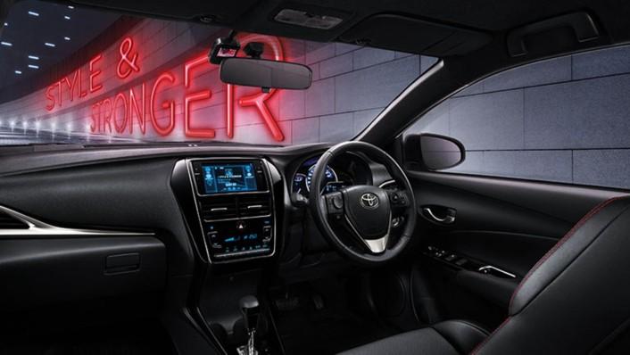Toyota Yaris Public 2020 Interior 001