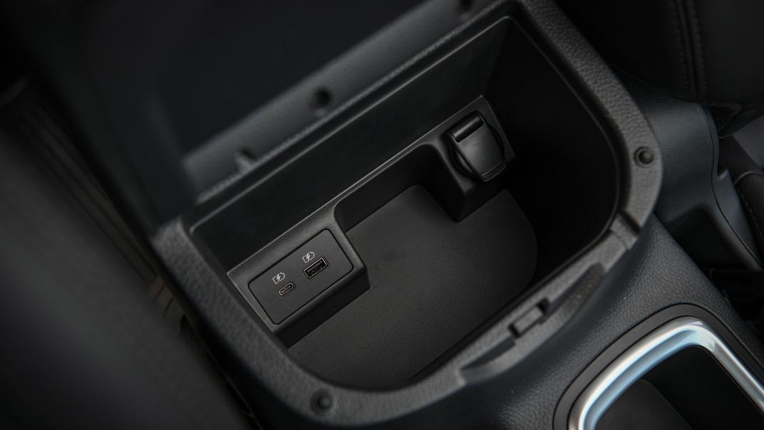 2021 Nissan Navara Double Cab 2.3 4WD VL 7AT Interior 075