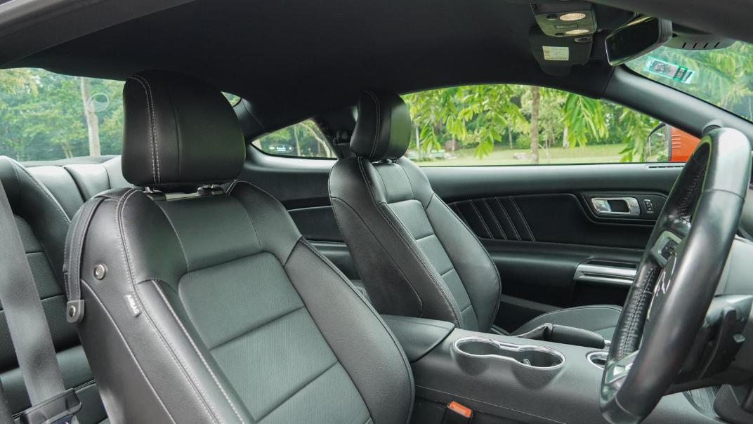 2020 Ford Mustang 2.3L EcoBoost Interior 122