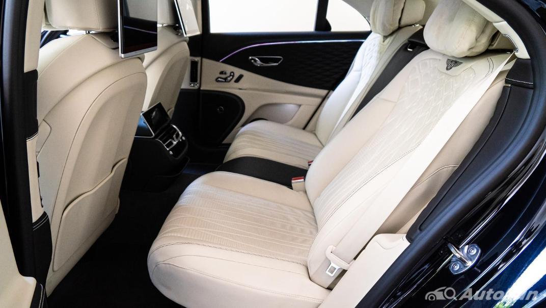 2020 Bentley Flying Spur 6.0L W12 Interior 032