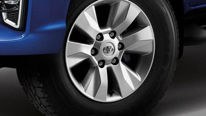 Toyota Hilux Revo Double Cab 2020 Exterior 009