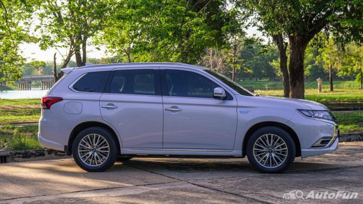 2021 Mitsubishi Outlander PHEV GT-Premium Exterior 003