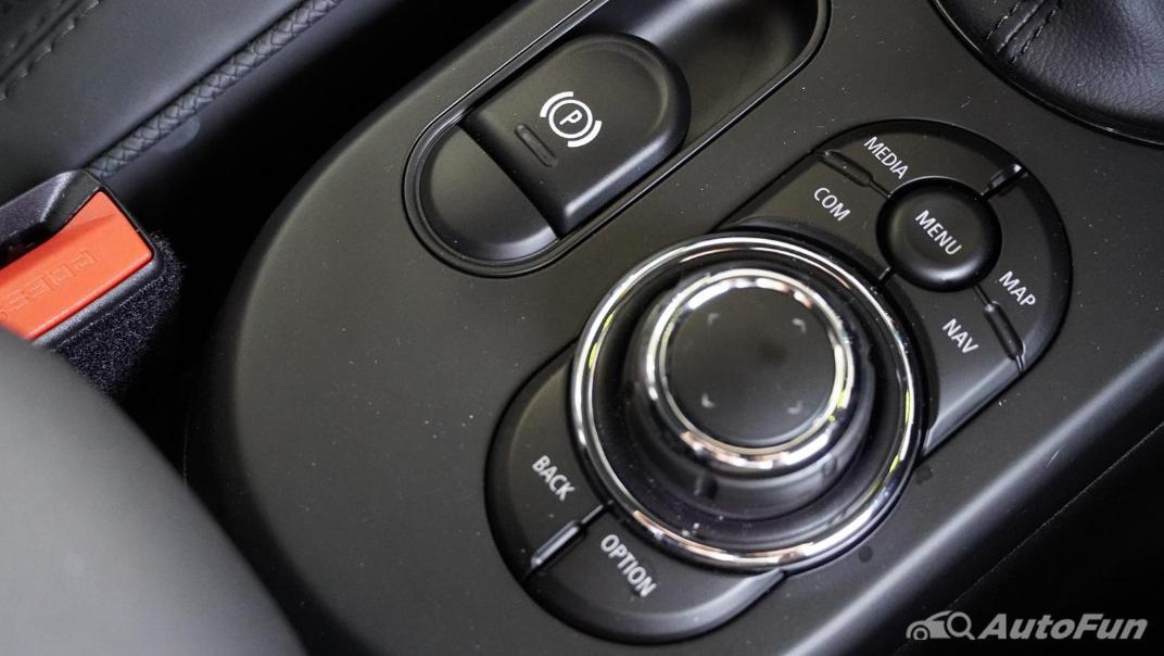 2021 MNI 3-Door Hatch Cooper S Interior 028