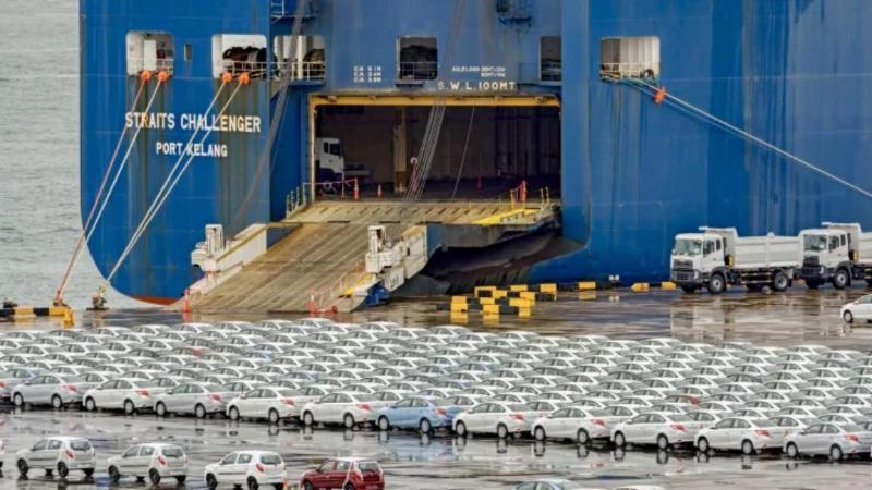 ส่งมอบรถช้า เพราะว่าเรือติดคลอง Suez ค่ายยุโรปยืนยันติดแค่ 7 วันไม่มีผล 02