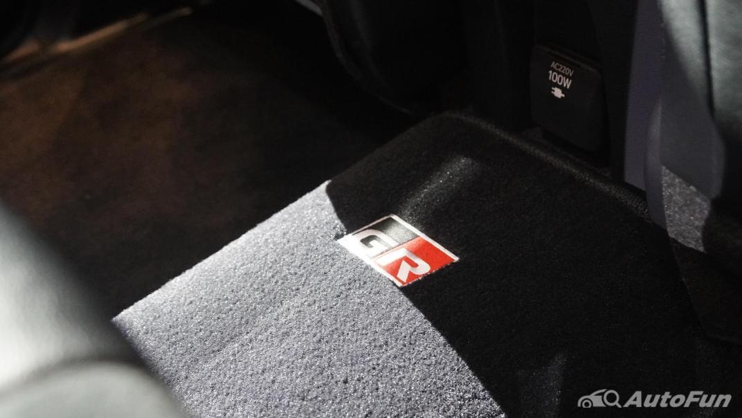 2021 Toyota Fortuner 2.8 GR Sport 4WD Interior 033