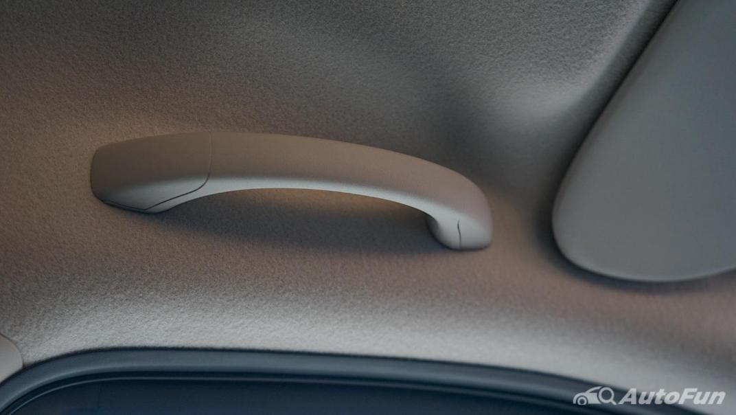 2021 Nissan Navara PRO-4X Interior 044